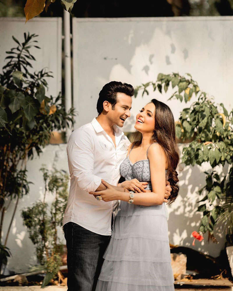 The Kapil Sharma Show fame Sugandha Mishra and Sanket Bhosle's romantic pictures
