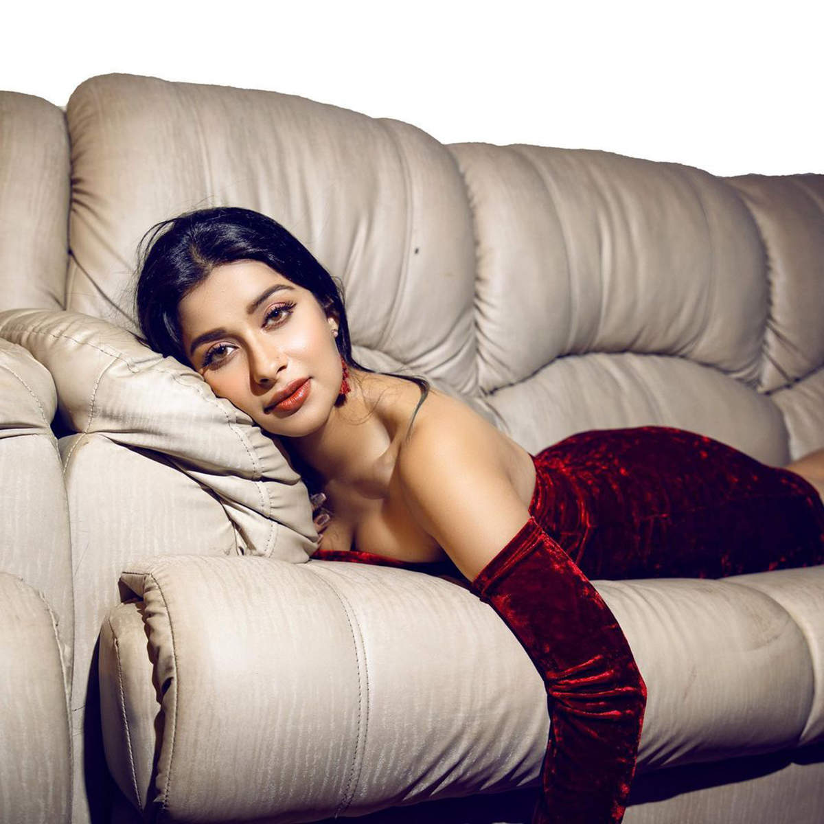 Nyra Banerjee is turning up the heat with her captivating photos