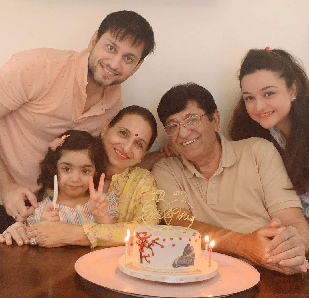 Muskaan with  her family