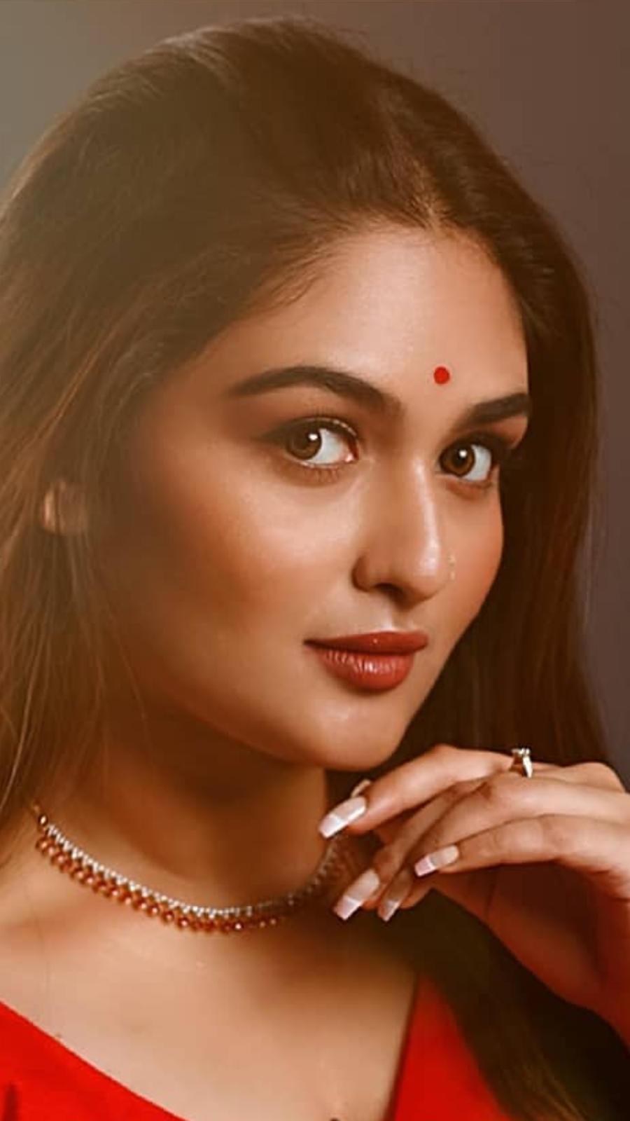 Best ethnic looks of Prayaga Martin