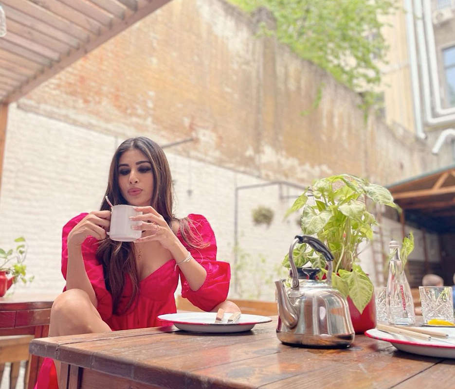 These dreamy vacation pictures of Mouni Roy will make you fall in love with her