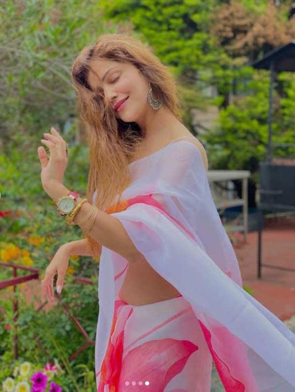Bikini-clad Rubina Dilaik is summer ready as she flaunts her perfectly toned figure
