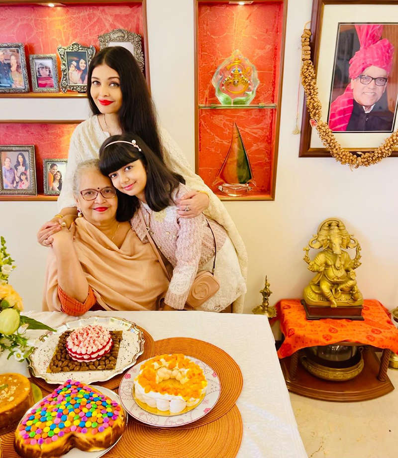 Lovely pictures from Aishwarya Rai Bachchan's mother's birthday celebration