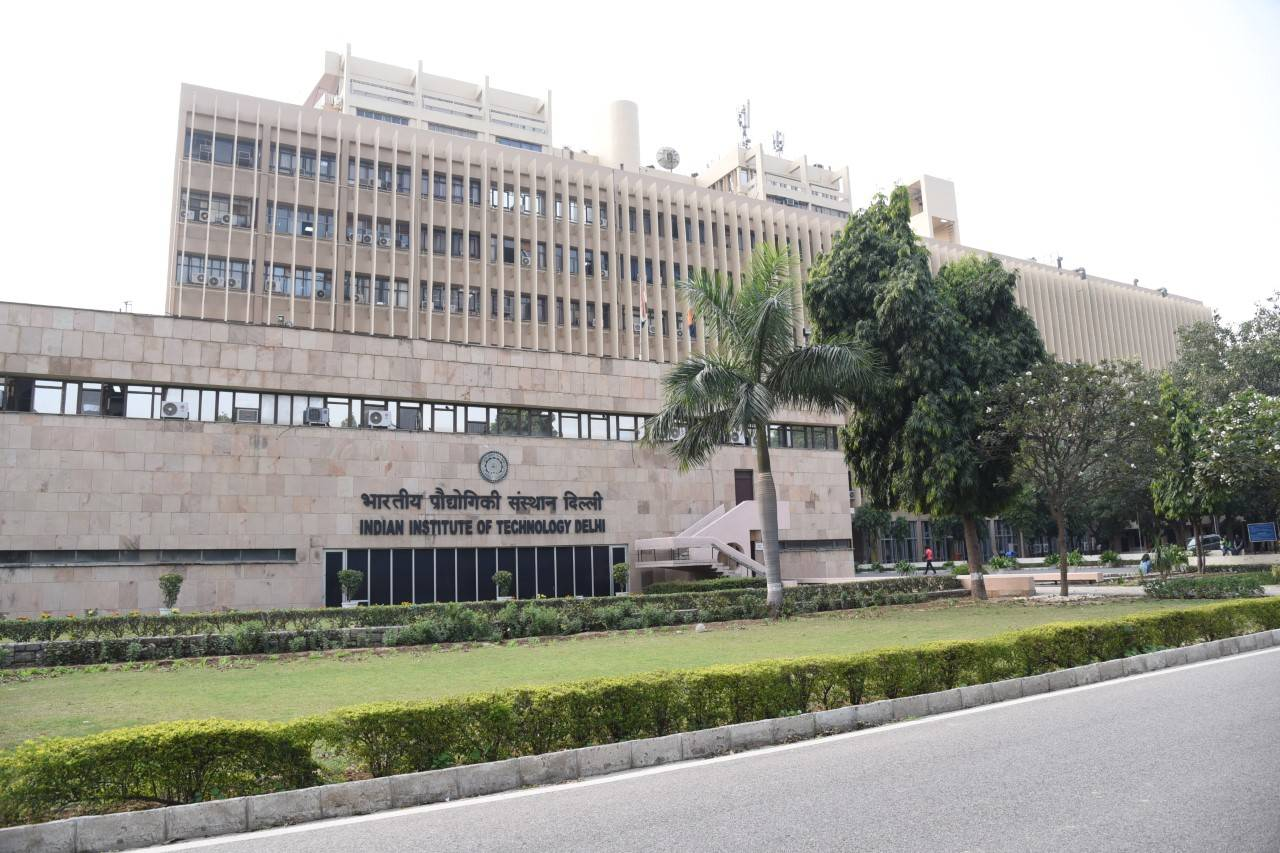 IIT Delhi to develop research centre for optics and photonics