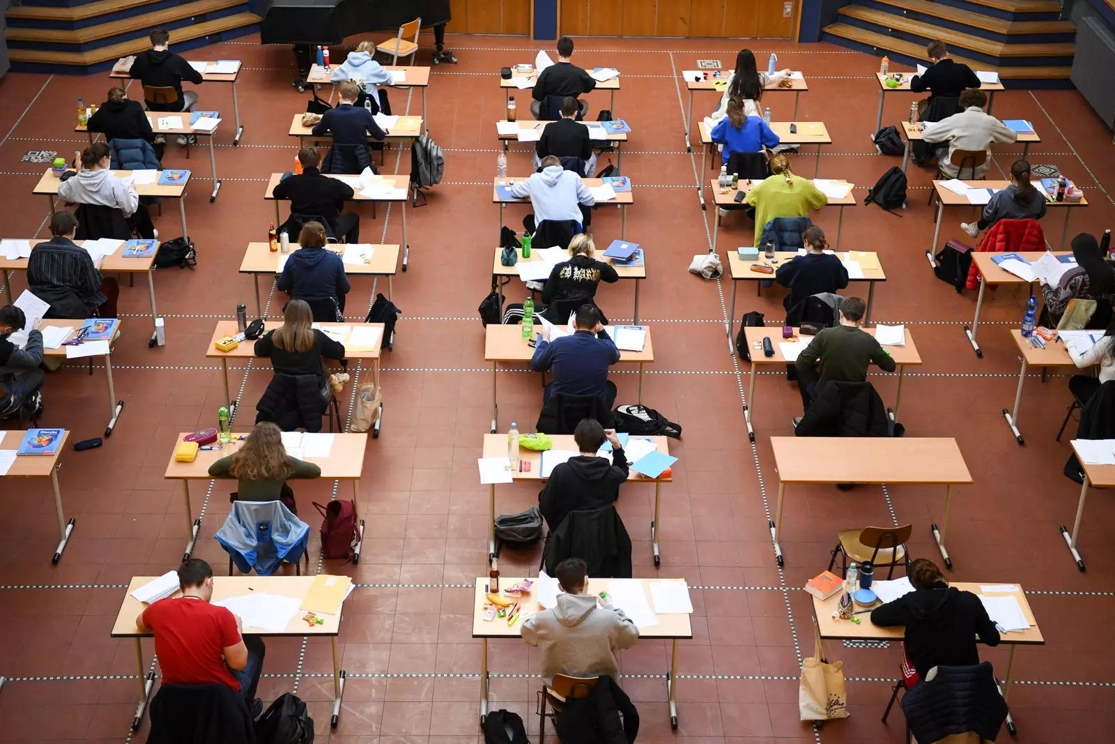Tamil Nadu state universities will conduct an online exam for all students starting June 14