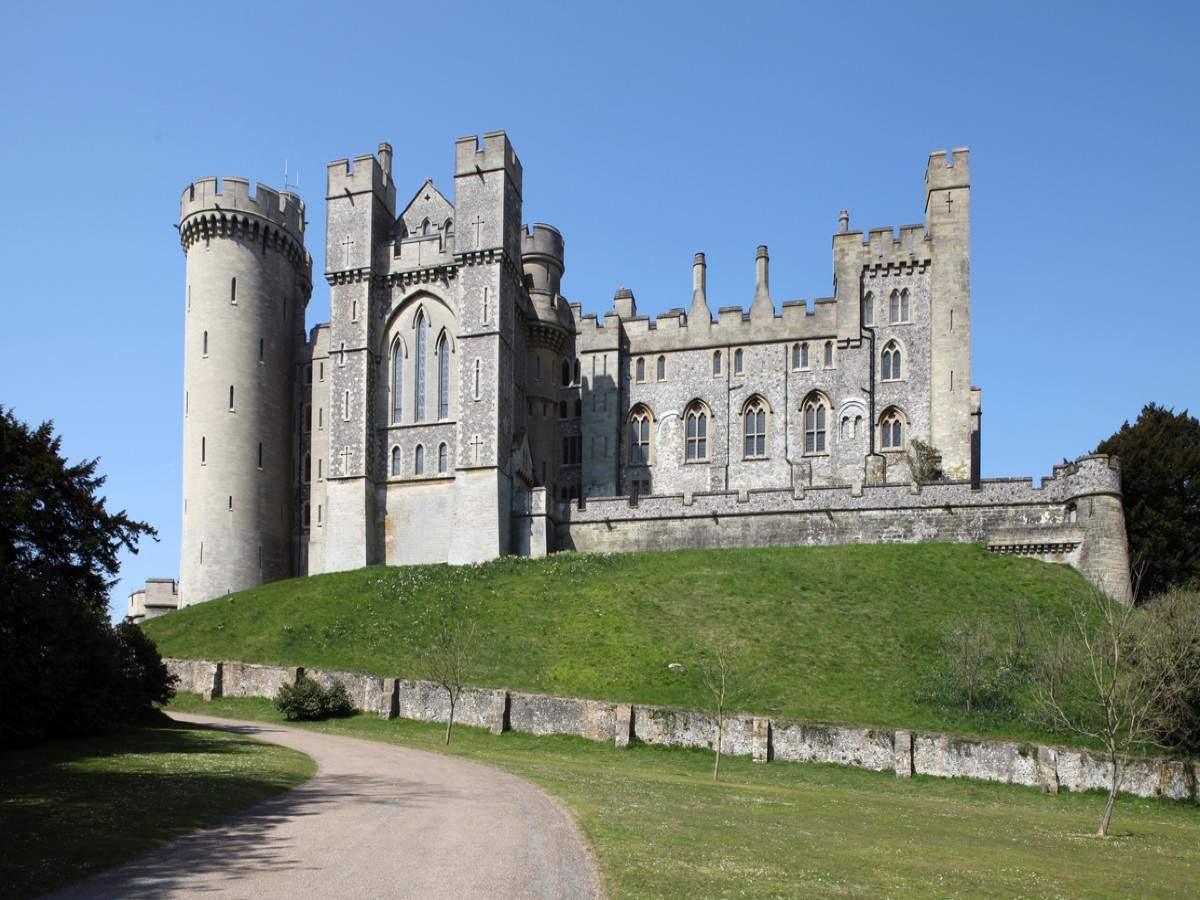 Artefacts worth $1.4 million stolen from an English castle