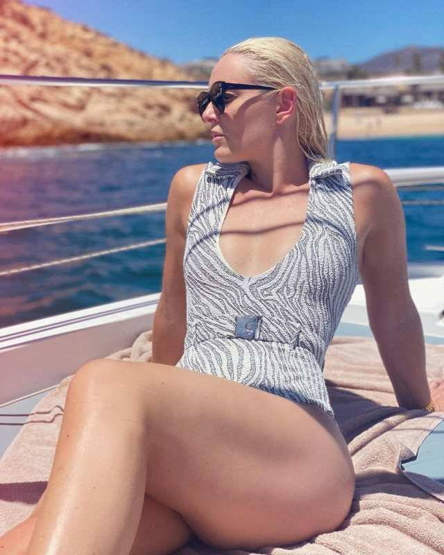 Olympic gold medalist Lindsey Vonn's glamorous pictures are head-turning