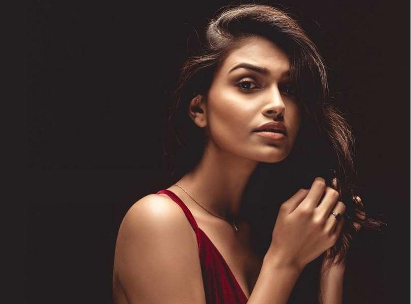 Suman Rao looks stunning in a majestic velvet dress