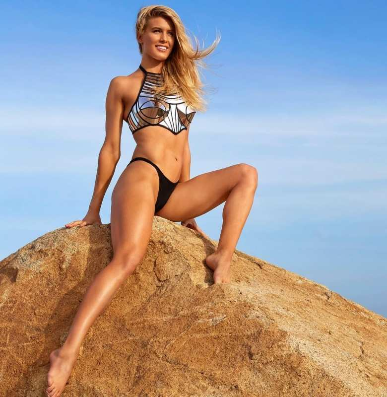 Canadian tennis player Eugenie 'Genie' Bouchard's alluring photos are captivating