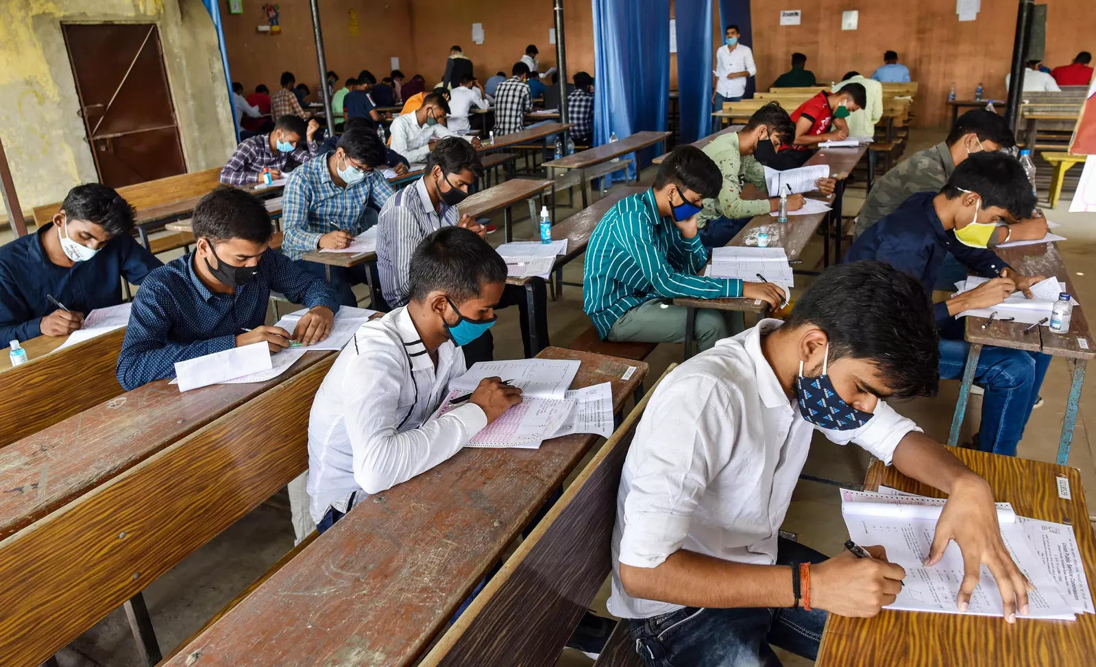 Government to review situation before deciding on JEE Main and NEET-UG