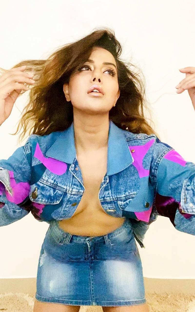 New pictures of Raiza Willson in unbuttoned denim jacket go viral; actress shuts down trolls
