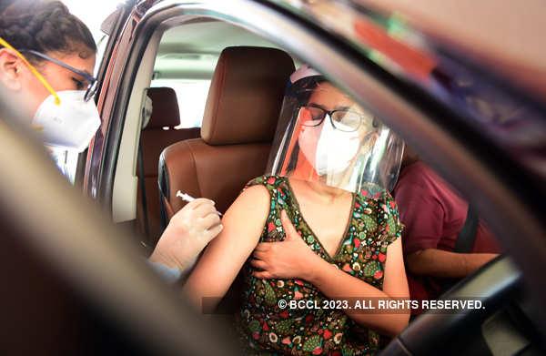 Drive-through vaccination facility opens in Delhi