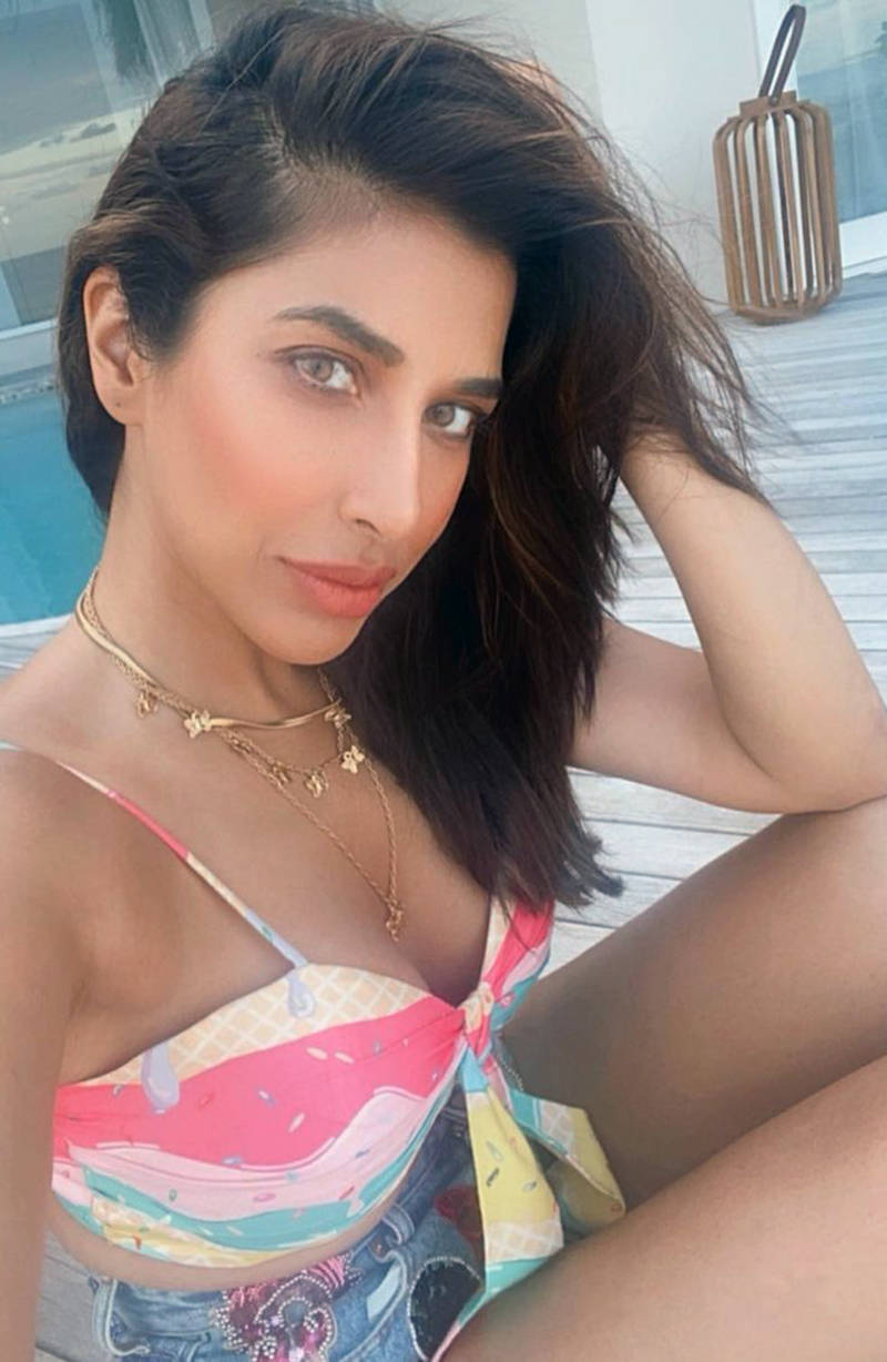 Bewitching pictures from Sophie Choudry's vacation will make you pack your bags!