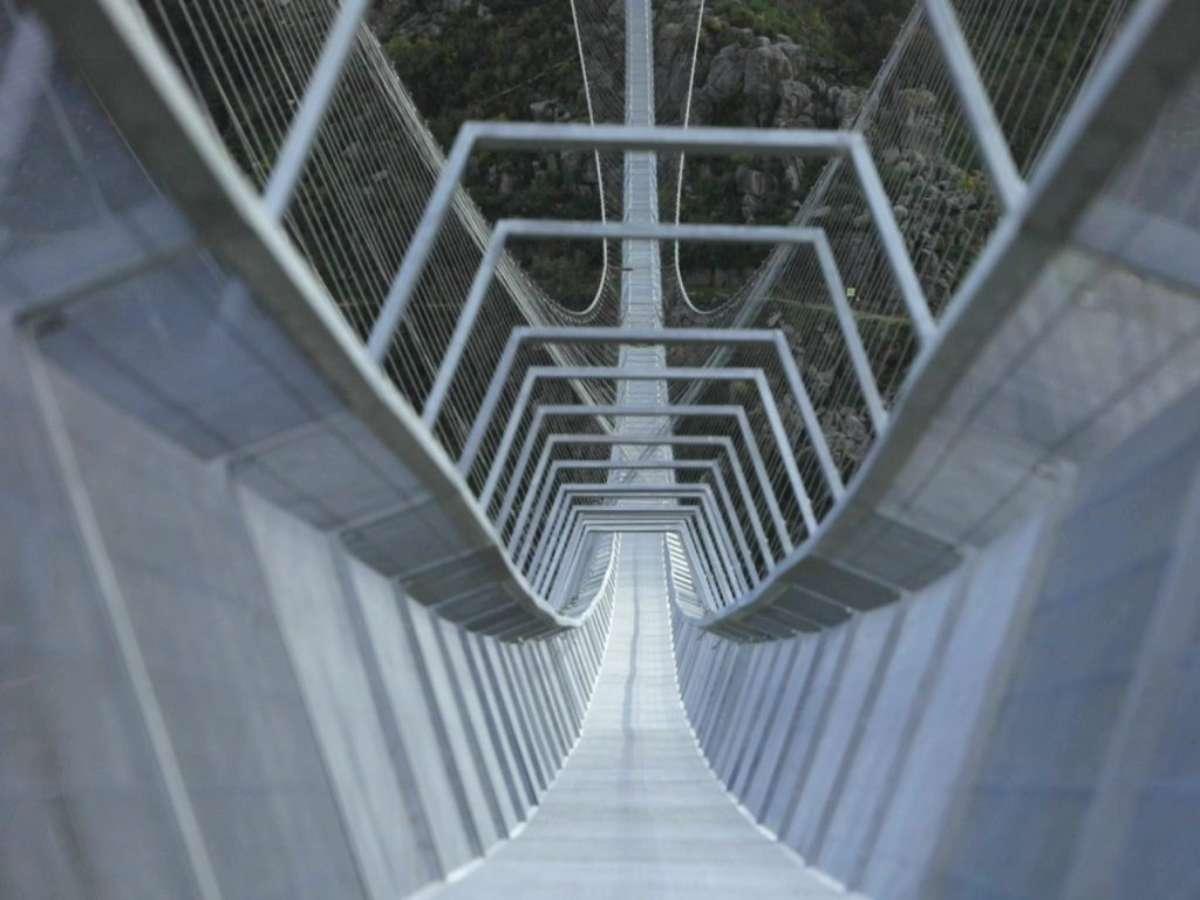 A maior ponte suspensa do mundo está agora em Portugal