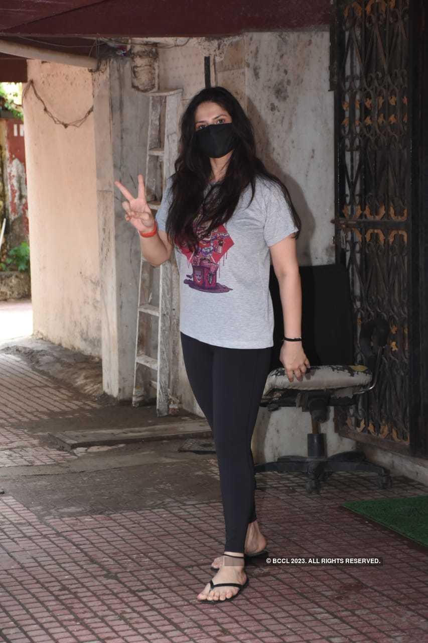 zareen khan.