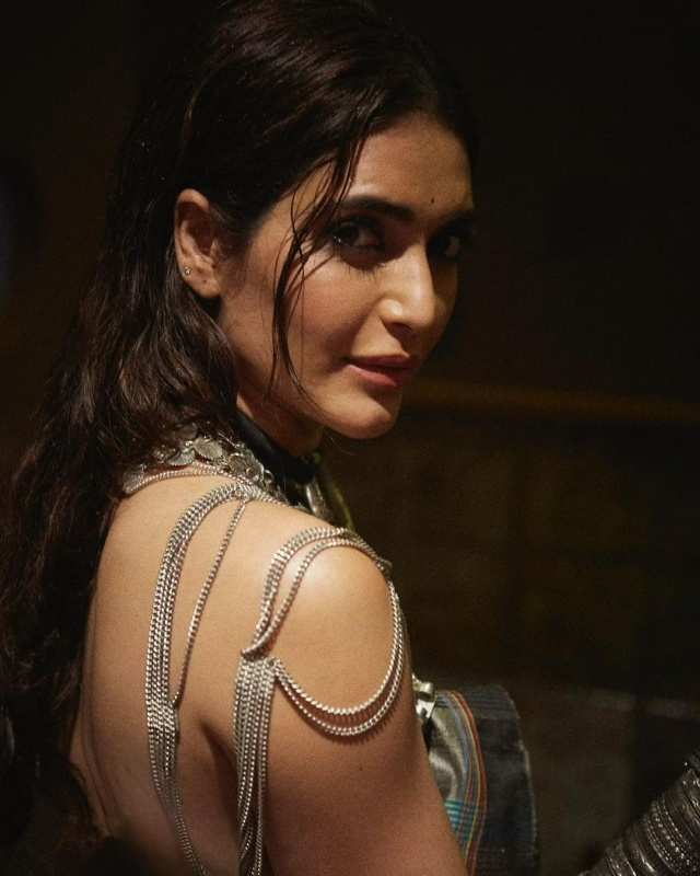 Karishma Tanna's stunning pictures will make your heart racing!