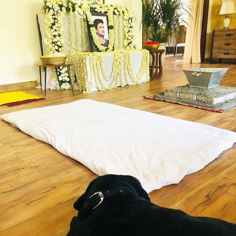 Pictures from Sushant Singh Rajput's prayer meet will surely leave you teary-eyed