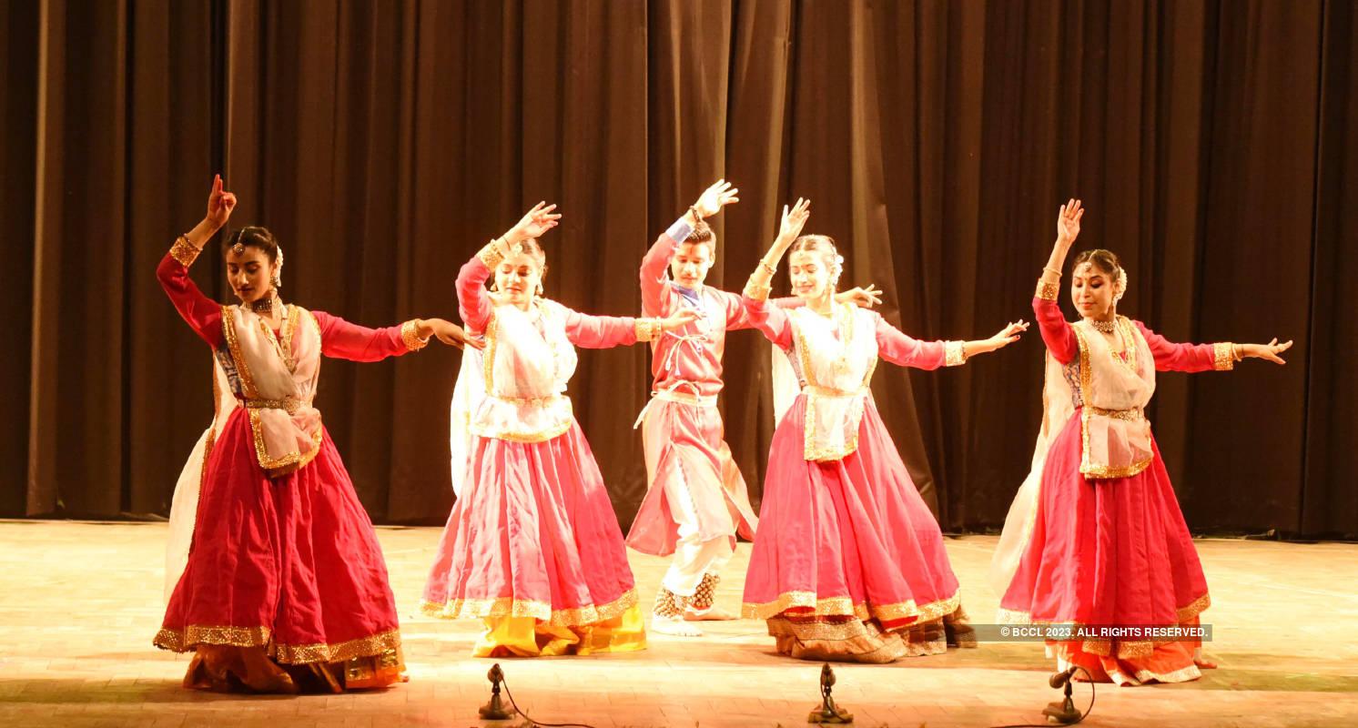 Artistes perform Kathak at Ravindra Kala Utsav 2021