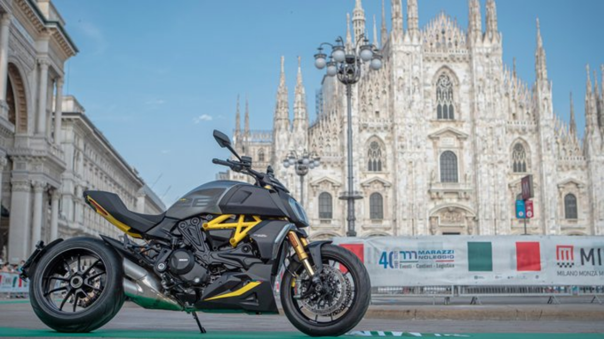 Ducati Diavel 1260 Black and Steel edition
