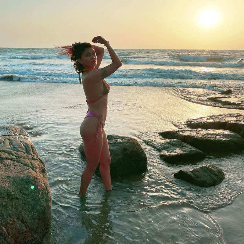 'Splitsvilla' fame Sakshi Pradhan sets hearts racing with her bewitching pictures