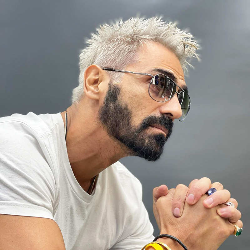 Pictures of Arjun Rampal flaunting his new look in platinum blonde hair go viral