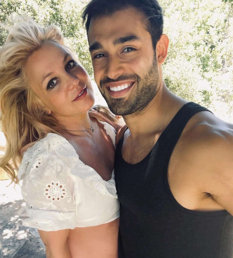 New loved-up pictures of Britney Spears with boyfriend Sam Asghari are breaking the internet!