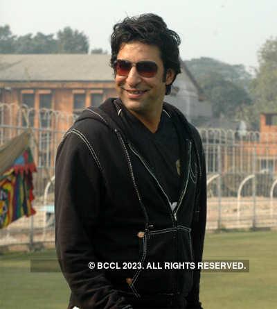 Wasim Akram dating Pak model Humaima