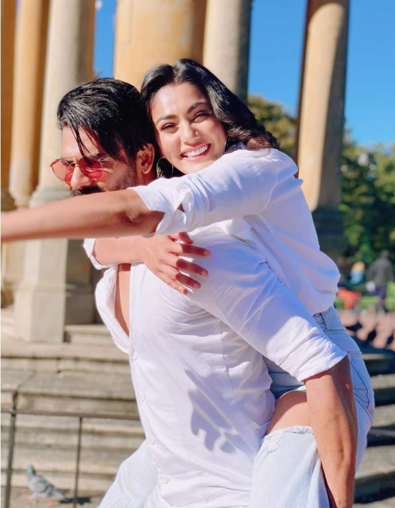 New cosy pictures of Vishal Aditya Singh and Sana Makbul spark dating rumours!