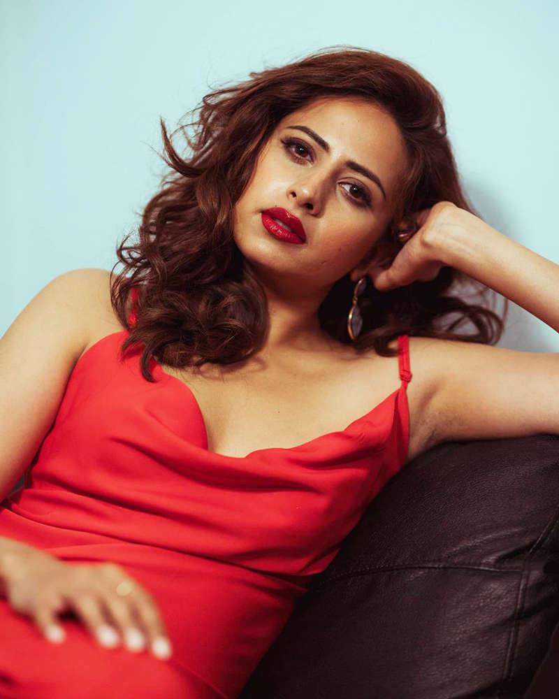 Punjabi diva Sargun Mehta sets hearts racing with her new ravishing pictures