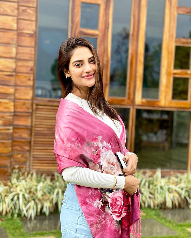 Nusrat Jahan flaunts her pregnancy glow in these new pictures; gets  brutally trolled   Photogallery - ETimes