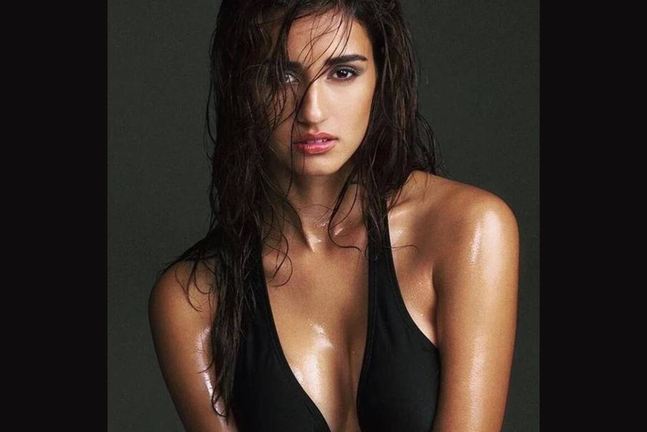 Disha Patani breaks the internet with her boldest bikini pictures!