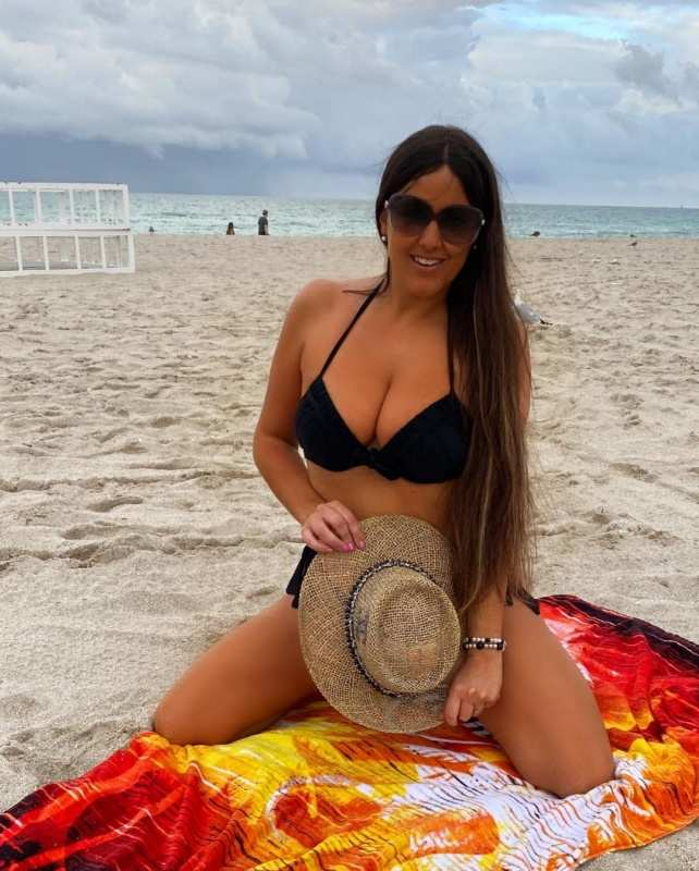 These gorgeous pictures of football referee Claudia Romani will steal your heart
