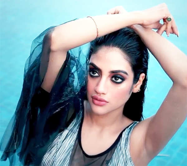 New pool pictures of pregnant Nusrat Jahan are breaking the internet