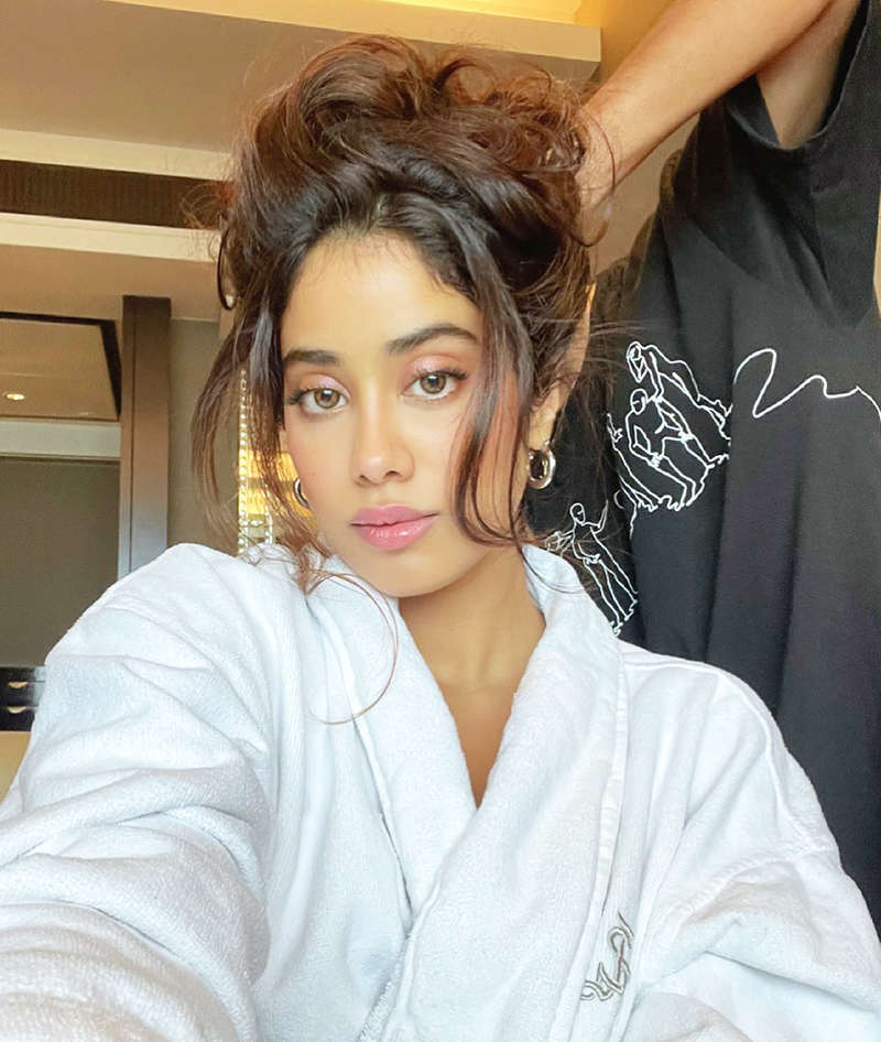 Janhvi Kapoor is making heads turn in a stylish crop top and mini skirt for her new photoshoot