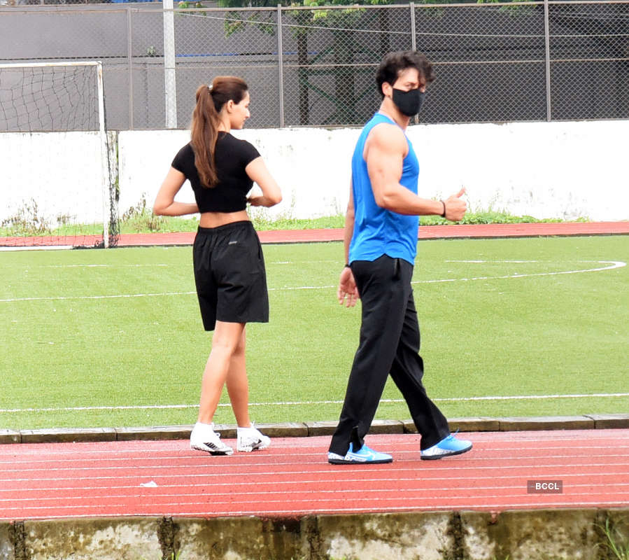 Lovebirds Disha Patani and Tiger Shroff chill on the football field; enjoy the game