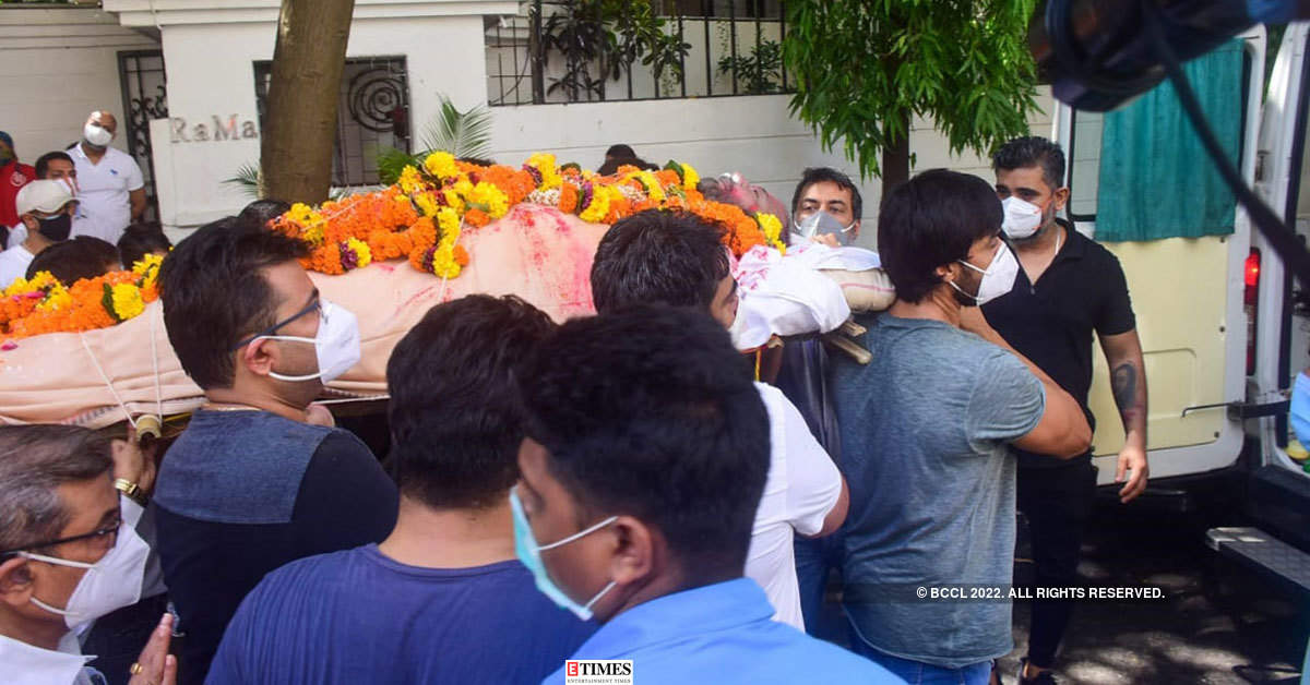 Mandira Bedi's husband and filmmaker Raj Kaushal's funeral