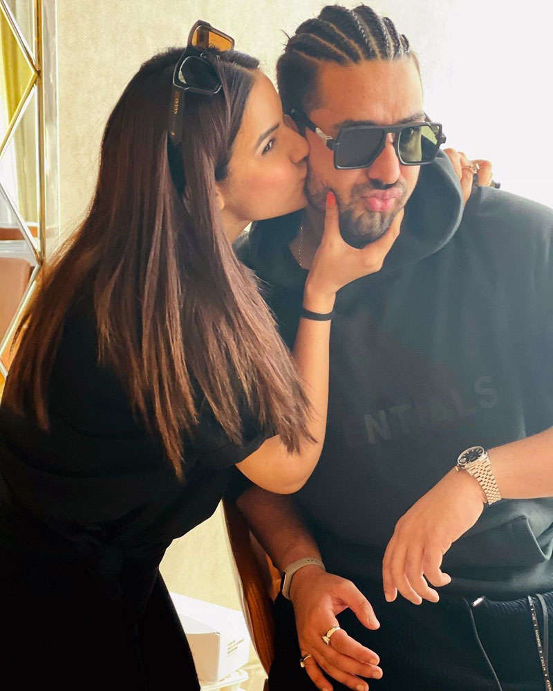 Former Bigg Boss 14 contestant Jasmin Bhasin and beau Aly Goni holiday in Goa