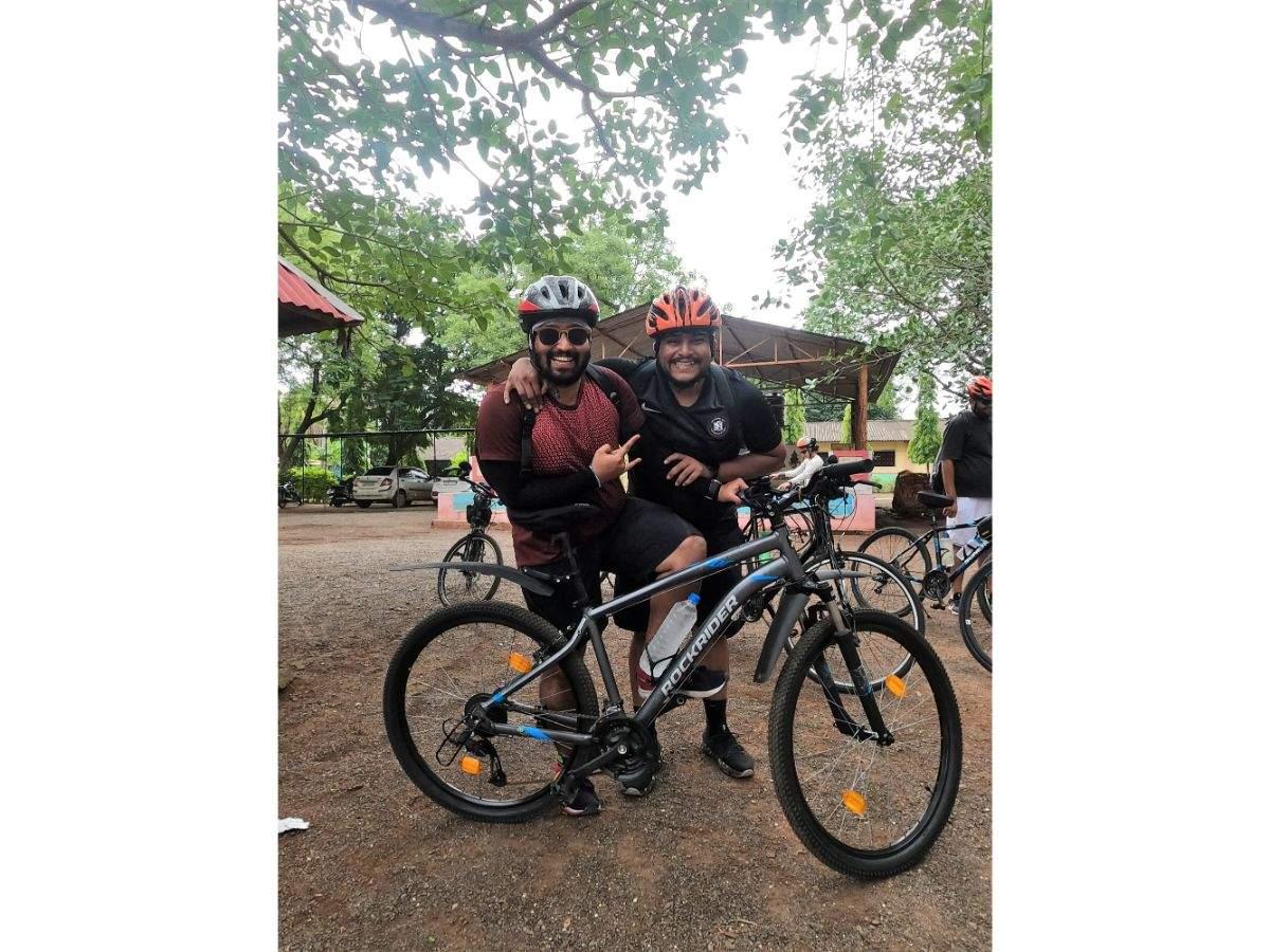 Ritesh Shetty cycle trip with a friend