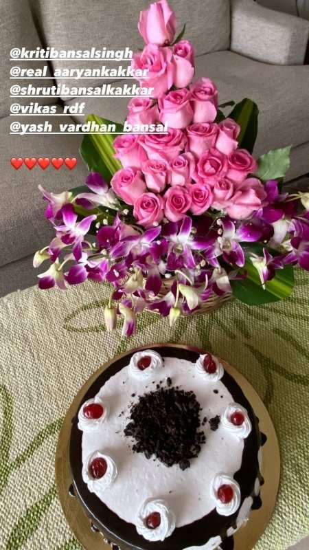 Divyanka Tripathi and Vivek Dahiya celebrate 5th wedding anniversary, see inside photos