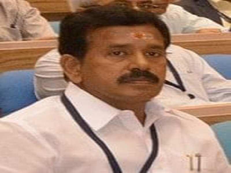 Former AIADMK minister Thoppu Venkatachalam joins DMK