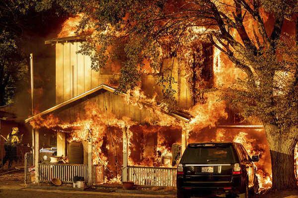Wildfires burn more than 850,000 acres in US