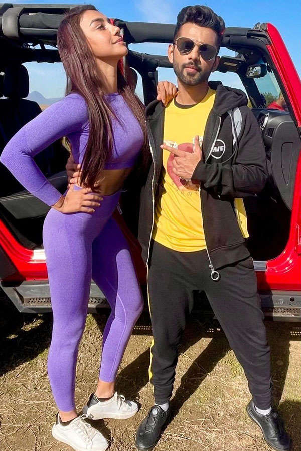 'KKK 11' contestant Mahek Chahal is making heads turn with her pictures in Cape Town