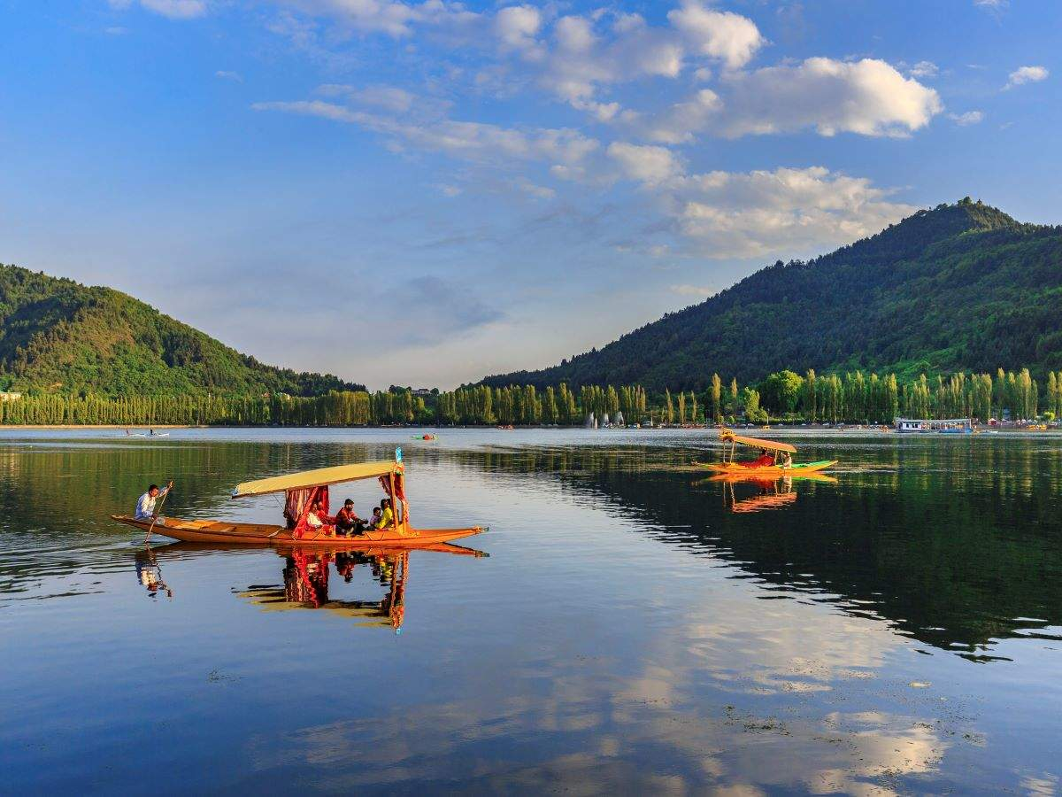 J&K plans to launch helicopter services to tourist hotspots