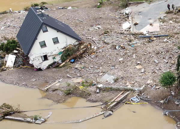 Germany's massive flood leaves over 100 dead, more than 1,000 missing