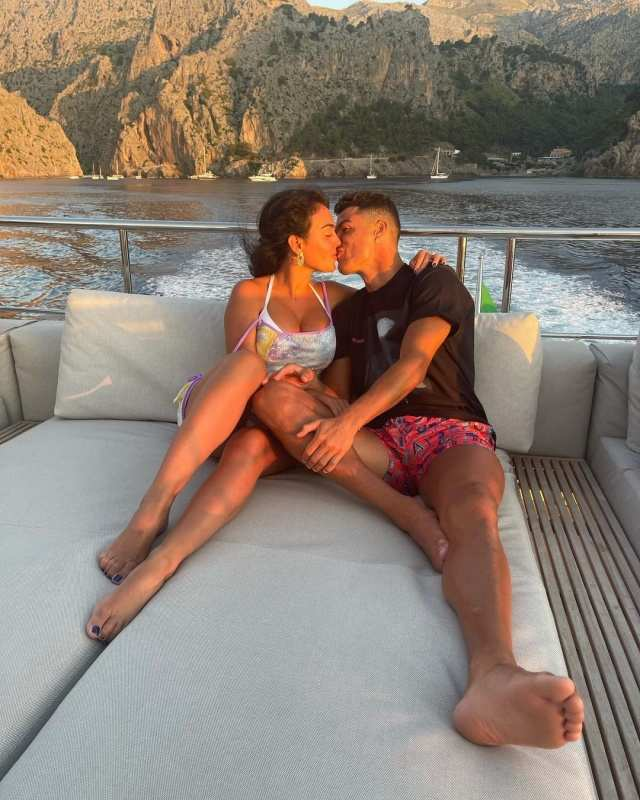 Romance in the air! Cristiano Ronaldo and Georgina Rodríguez's cosy pictures from exotic yacht give major relationship goals
