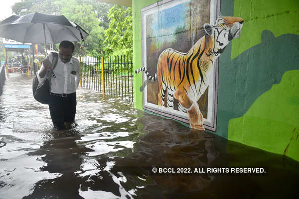 These pictures show how the heavy rains disrupted normal life in several parts of India