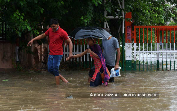 These pictures of waterlogging expose poor drainage system in Delhi