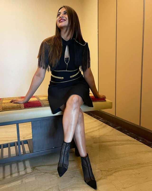 Khatron Ke Khiladi 11 contestant Divyanka Tripathi amps up her fashion game