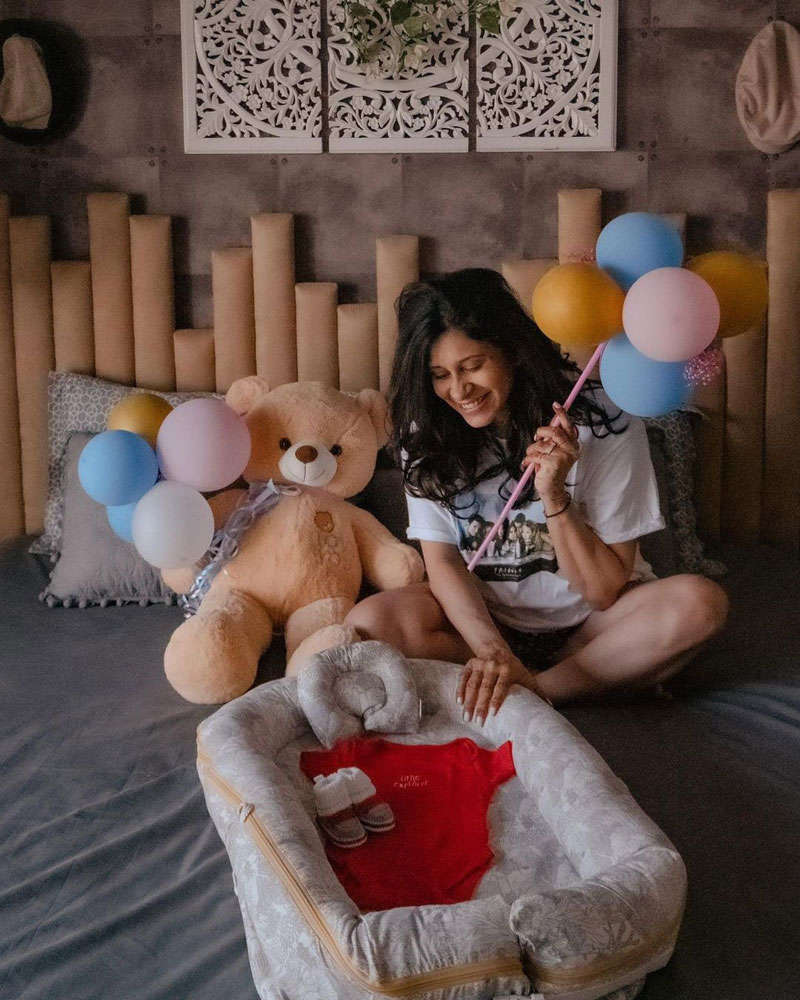 Soon-to-be-mommy Kishwer Merchantt flaunts her baby bump, shares her pregnancy journey
