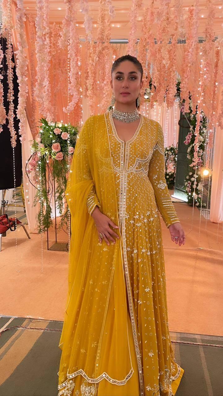 Kareena Kapoor Khan spotted wearing Ridhi Mehra